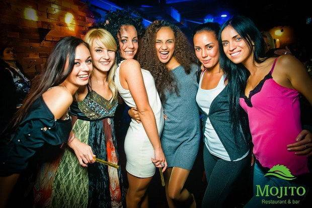 girls in mojito bar minsk